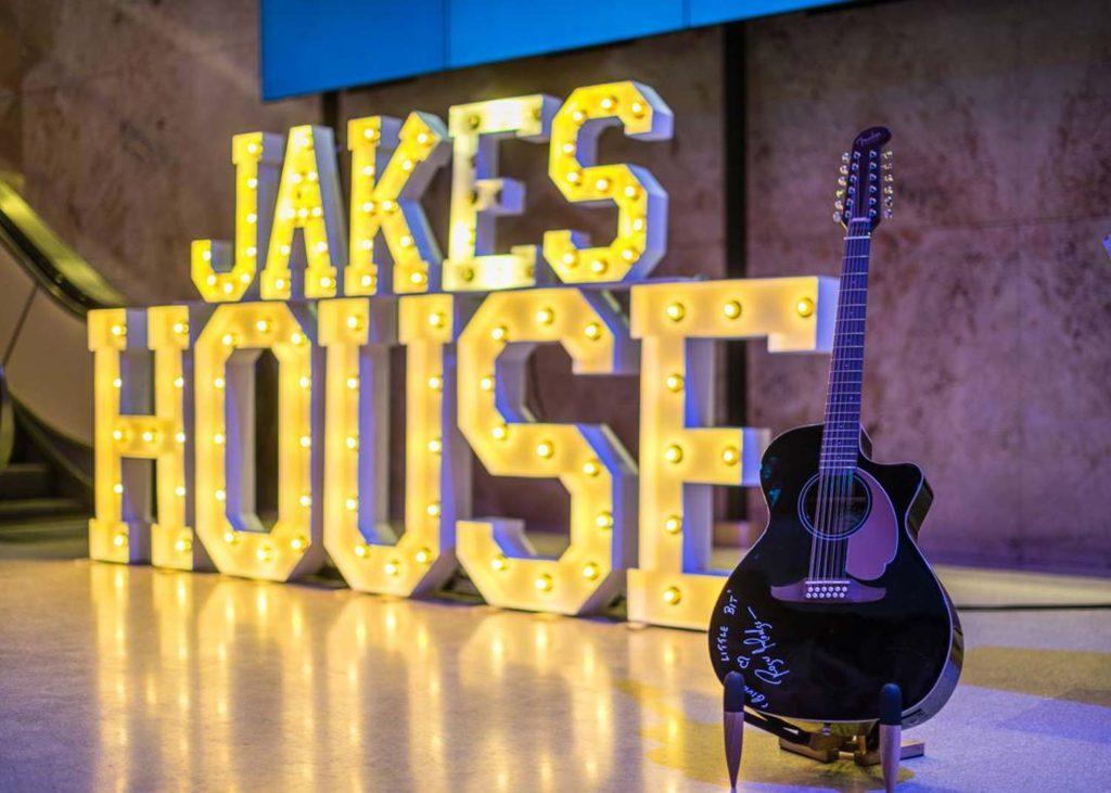 Jakes House - A Legendary Night